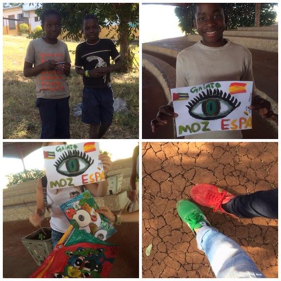 Los niños y sus regalos! son maravillosos!!!  Y los pies del hada y de Julia en el árido suelo de Mozambique