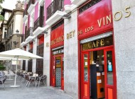 Restaurante El Anciano Rey de los Vinos, Madrid. Entrevista con Sandro Bianchi, DJ.